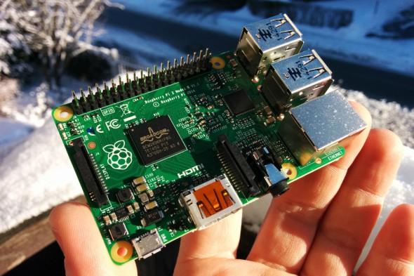 Der Raspberry Pi 2 verfügt über eine Quad-Core-CPU und 1 GByte Arbeitsspeicher.