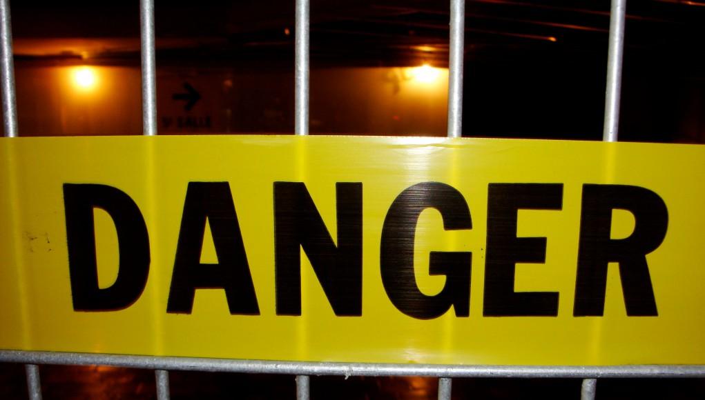 Danger Achtung