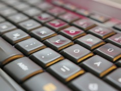 Logitech Tastatur Keyboard