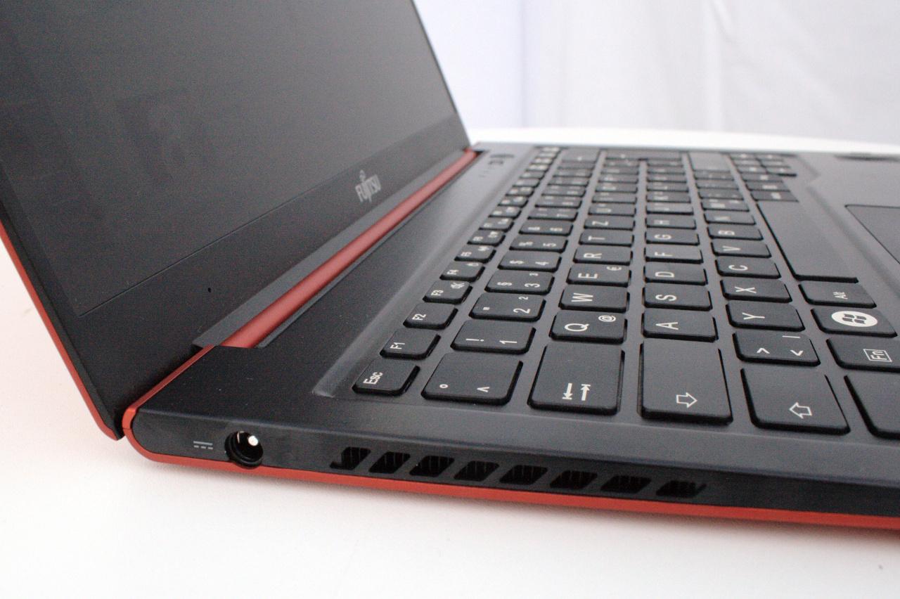 Ultrabooks in der Intel-Bloghütte auf der IFA 2012 im Linux