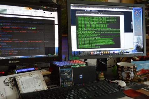 Mein cirrus7 in seiner gewohnten Umgebung auf meinem Schreibtisch.