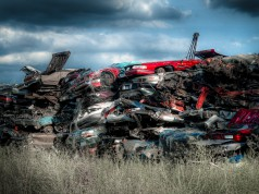 Junkyard, Peter Ladd, Flickr, CC-BY