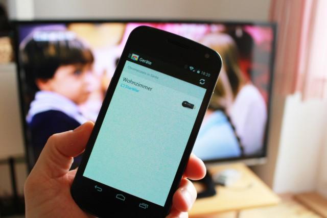 Die Einrichtung des Dongles geschieht über ein Android-Handy.