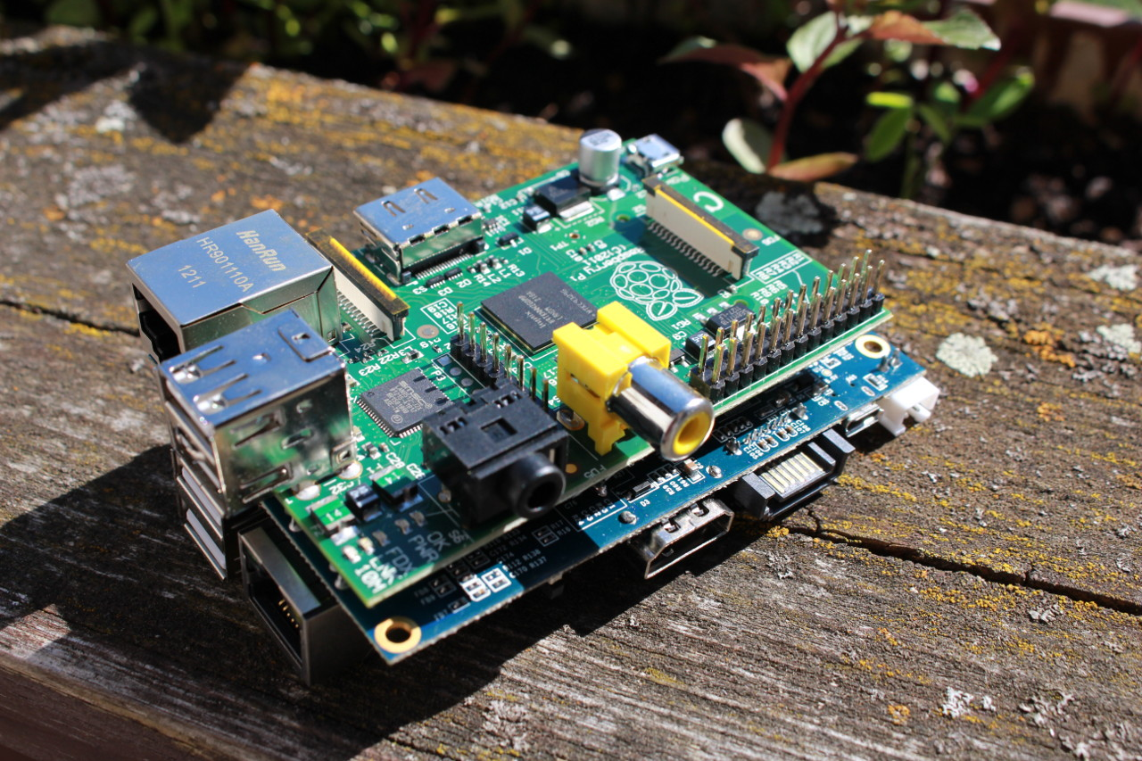 Raspberry Pi or Arduino? One Simple Rule to Choose the
