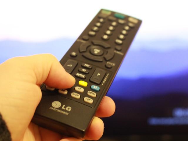 Der Chromecast lässt sich nun endlich mit der TV-Fernbedienung steuern.