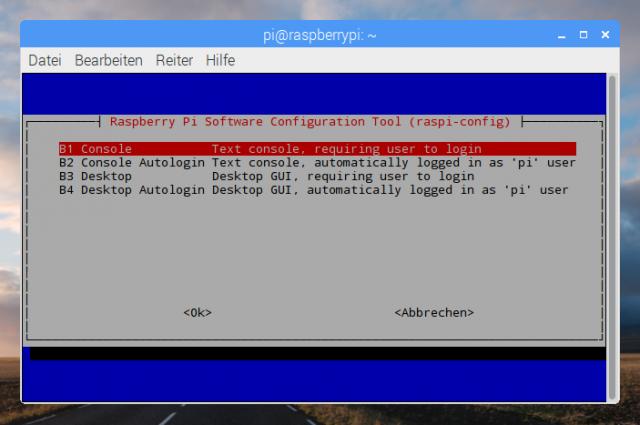 Lässt man den RasPi ohne GUI starten, verschwindet auch der Splashscreen.